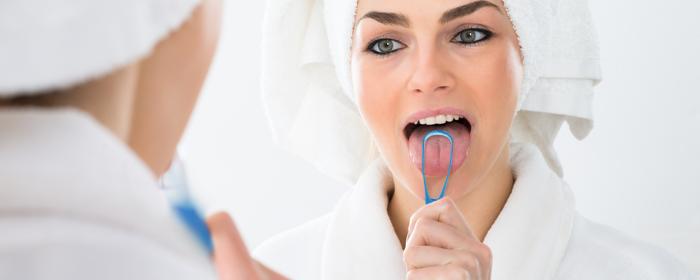 Comprueba si tu lengua te está provocando mal aliento