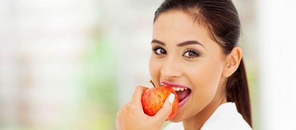 Consejos para combatir el mal aliento a través de la alimentación