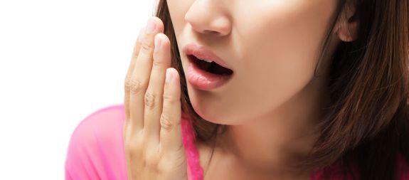 ¿Es contagiosa la halitosis?